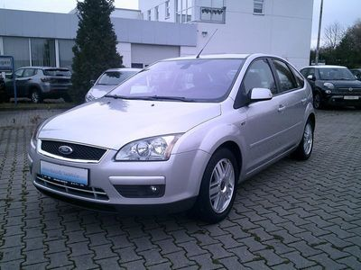 gebraucht Ford Focus Lim. 1.6 Ti-VCT Ghia