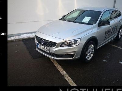gebraucht Volvo V60 CC Plus AWD D4 Navi Dyn. Kurvenlicht Rückfahrkam. Allrad PDCv+h LED-Tagfahrlicht