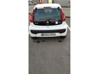 gebraucht Peugeot 107 weiß, gebrauchtwagen mit klein...