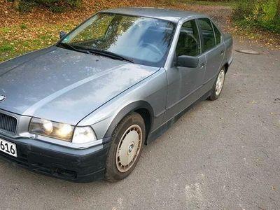 gebraucht BMW 318 E36 i 3er Limousine TÜV bis Dezember