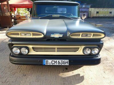 gebraucht Chevrolet C10 Apacherestauriert, viele Neuteile, als SUV/Geländewagen/Pickup in Berlin