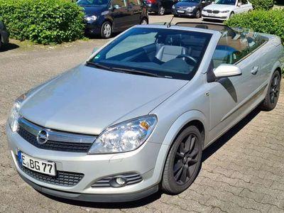 gebraucht Opel Astra Cabriolet Twin Top 1.6 Cosmo