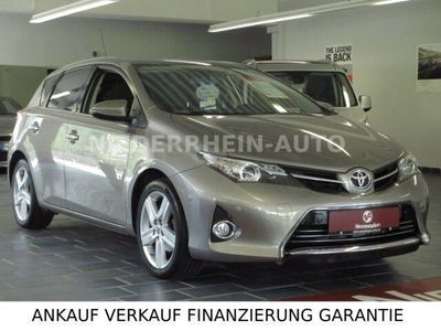 Toyota Auris 16 Benzin 132 Ps 2014 Kempen Autouncle