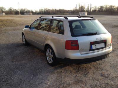 gebraucht Audi A6 Avant 2.5 TDI V6 Ambition 6-G. Silber