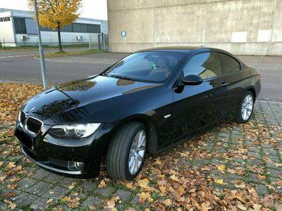 gebraucht BMW 320 i Coupé E92 Leder Winterkompletträd... als Sportwagen/Coupé in Mutlangen