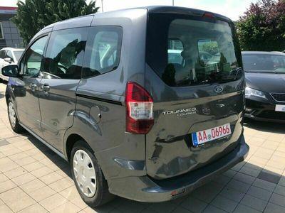gebraucht Ford Tourneo Courier 5 Sitze