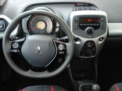gebraucht Peugeot 108 Active 68 VTi S&S 5-trg Sitzh DAB Klima LED