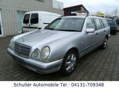 gebraucht Mercedes 230 T Classic Autom/Klima/AHK/Tempomat/el.SSD