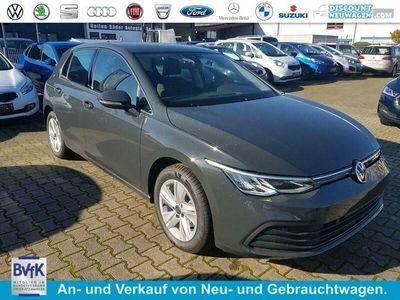 gebraucht VW Golf Life Navi Winterpaket 3-Zonen Klima PDC