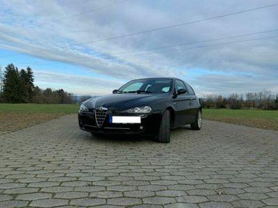 gebraucht Alfa Romeo 147 1.9 JTD 8V M-Jet DPF Black Line