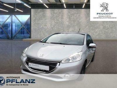 gebraucht Peugeot 208 Allure 1.2 PureTech 110 3T (EURO 6)