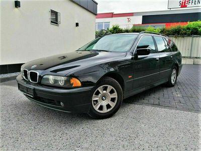 gebraucht BMW 520 i Touring LEDER SHZ AHK GAS MFL SERVICE VOLL