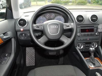 gebraucht Audi A3 Sportback 1.6 TDI Ambiente Klimaautom. Tempom