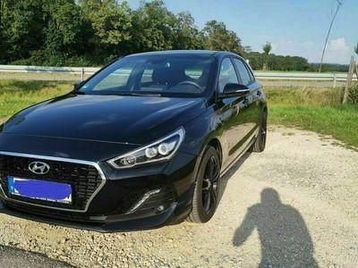 gebraucht Hyundai i30 Phantom Black (MJ19) 140PS
