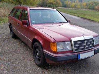 używany Mercedes 230 TE HU05/2020