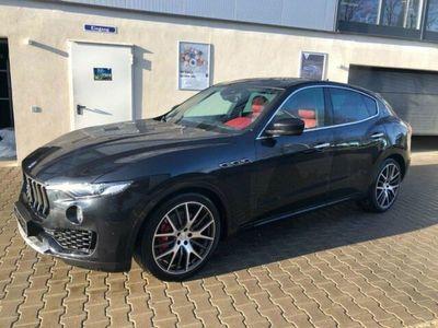 gebraucht Maserati Levante SQ4 mit NAVI/LED/SHZ/RKF/ACC