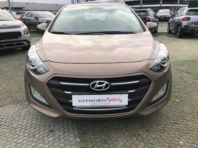 gebraucht Hyundai i30 1.4 Yes Silver