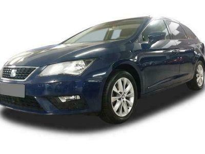 gebraucht Seat Leon ST Leon Style 1.6 TDI DSG NAVI AHK Sitzh. Klima