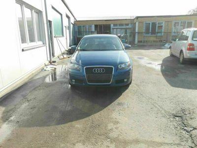 gebraucht Audi A3 Sportback 1.6 FSI Attraction