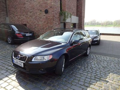 used Volvo V70 D5 Geartronic Momentum