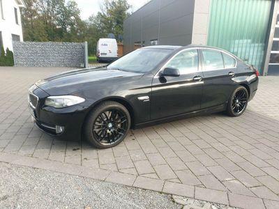 gebraucht BMW 550 i xDrive Aut.NAVI*LEDER*STANDHEIZUNG*XEON als Limousine in Waiblingen - Bittenfeld