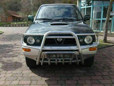 gebraucht Nissan Terrano II 2.4 SUN mit Anhängerkupplung