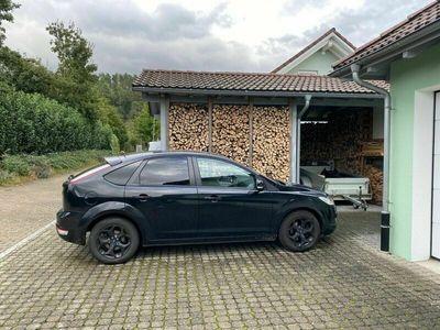 gebraucht Ford Focus Viva Auto Limousine 5 Türer schwarz