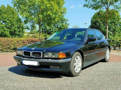 gebraucht BMW 740 i V8 - Klassiker mit unzerstörbarem Motor