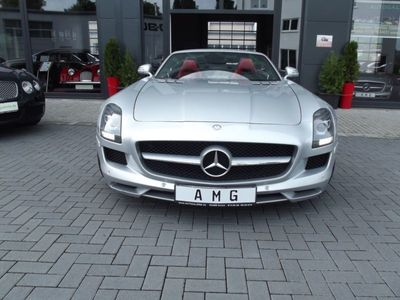 gebraucht Mercedes SLS AMG Roadster B & O, Silber Bi-Color, 13.600km