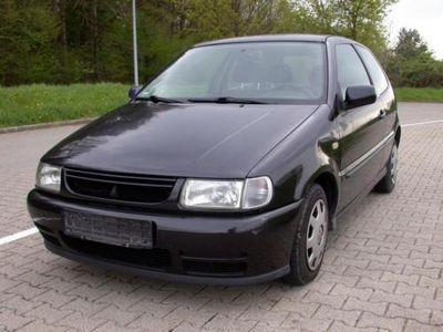 gebraucht VW Polo 60 Klima Servo Reifen-Bremse-Auspuff NEU