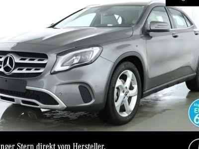 gebraucht Mercedes GLA200 Urban LED Navi Laderaump PTS Sitzh Temp