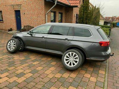 gebraucht VW Passat Variant Highline Navigation AHK Xenon als Kombi in Wunstorf