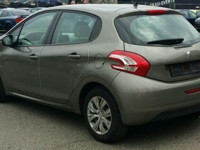käytetty Peugeot 208 1.6 Allure e-HDi 92 ETG6 STOP & START !!!!