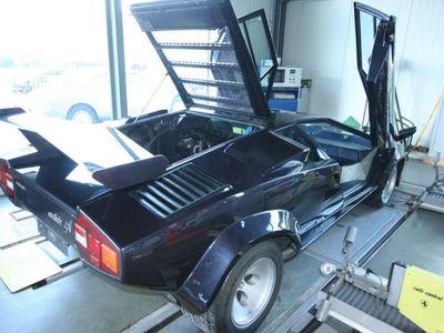 countach gebrauchte lamborghini countach kaufen 9 g nstige autos zum verkauf. Black Bedroom Furniture Sets. Home Design Ideas