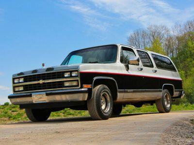 gebraucht Chevrolet Suburban 5,7l 350cui V8 TBI H-Zulassung 7 Sitzer