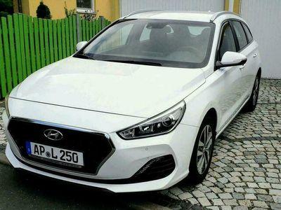 gebraucht Hyundai i30 Kombi 1,4 T-GDI 140PS Style Benzin sehr guter Zustand