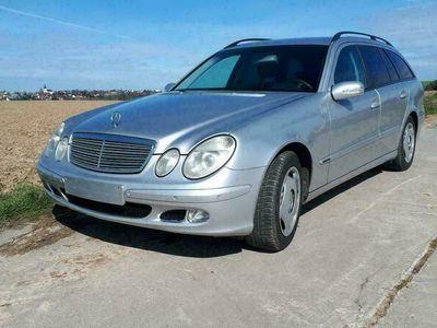 gebraucht Mercedes E240 Mercedes Benz spritsparer W211