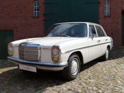 gebraucht Mercedes W115 8 Serie 05 in Spitzenzustand