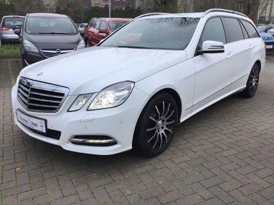 gebraucht Mercedes E200 Avantgarde Navi,Schiebedach,Bi-Xenon,AHK,SHZ