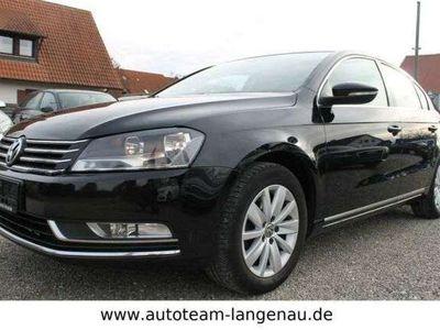 gebraucht VW Passat Lim.1.4TSI Comfort. BMT°NAVI°8xREIFEN°SHG