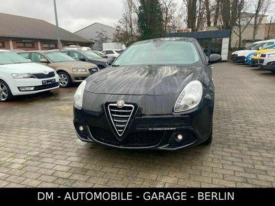 gebraucht Alfa Romeo Giulietta Tourismo_1 Hand_Tempomat_PDC_ als Limousine in Berlin