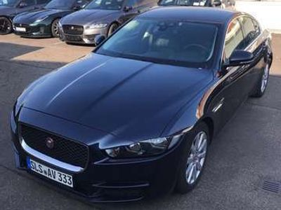gebraucht Jaguar XE 20d Aut. Prestige Navi Komfort 2 + Parkhilfe Paket