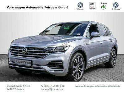 gebraucht VW Touareg 3.0 V6 TDI SCR EU6 Elegance Leder AHK L als SUV/Geländewagen/Pickup in Nauen