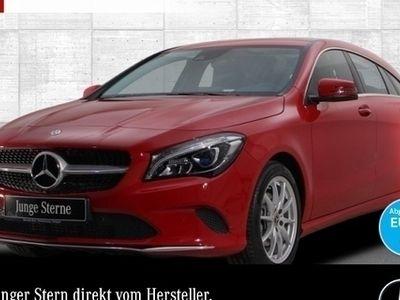 gebraucht Mercedes CLA220 Shooting Brake d 4M Urban LED Keyl-GO Kamera Navi PTS