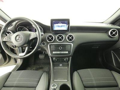 gebraucht Mercedes A180 d Urban (7GT Navi PDC Shz Tempo LS-Paket )