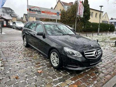 gebraucht Mercedes E220 Avantgarde BlueTEC*AHK*Euro6*Schiebedach