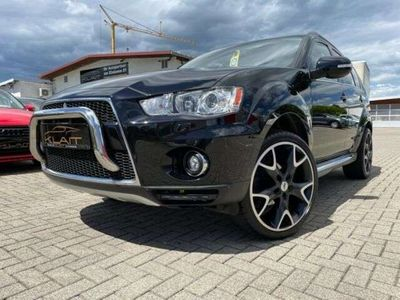 gebraucht Mitsubishi Outlander Intense 4WD*Automatik*Allrad*Garantie*