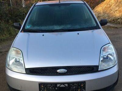 gebraucht Ford Fiesta 1.3
