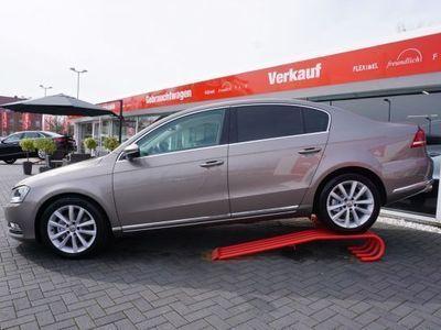gebraucht VW Passat 2.0 TSI Highline KLIMAAUT. SITZH. DCC PDC