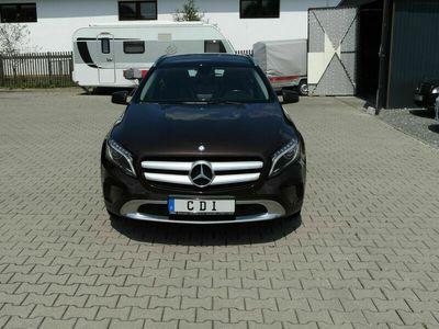 gebraucht Mercedes GLA220 NeuCDI d 4Matic